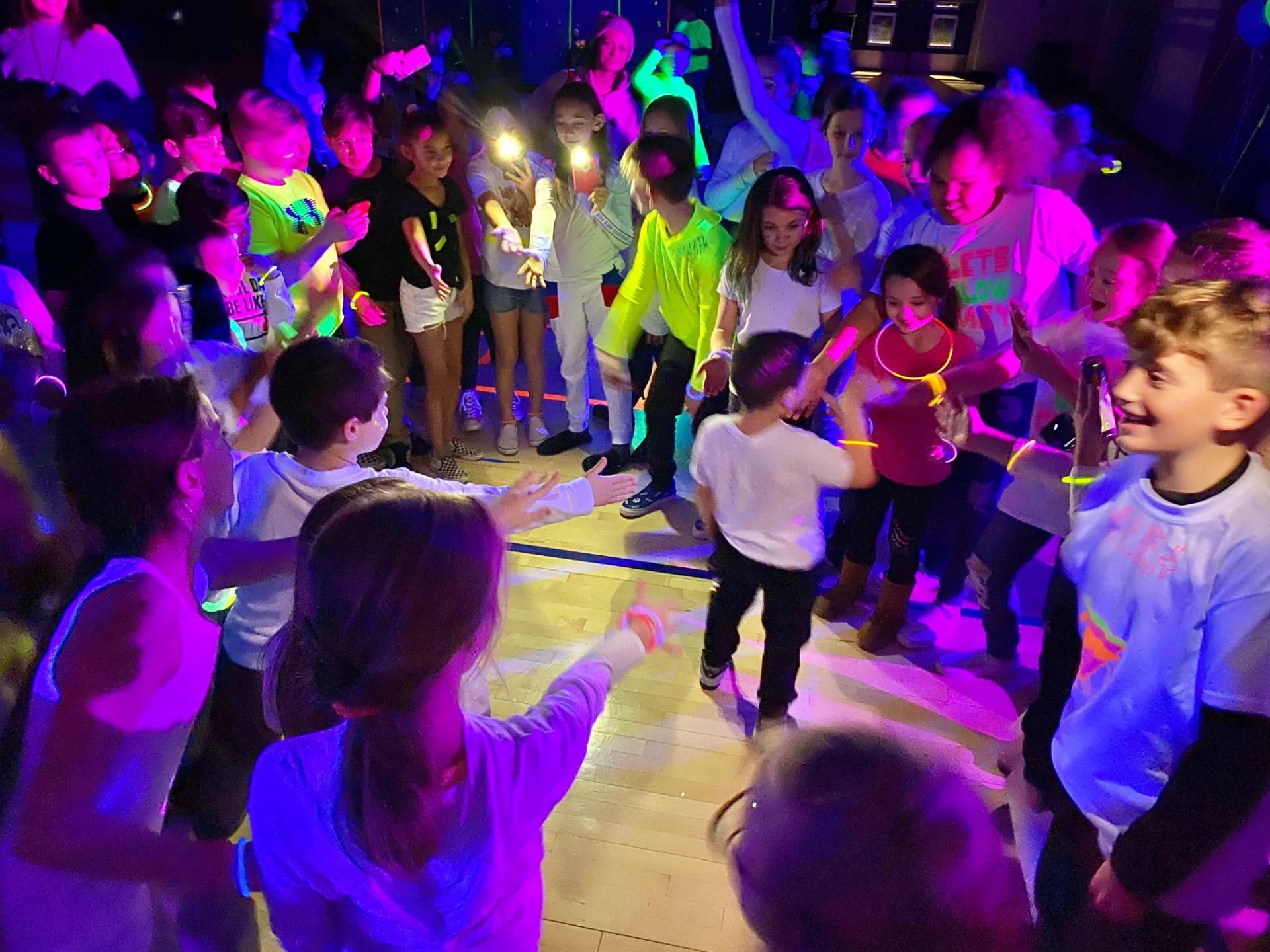 Glow dance