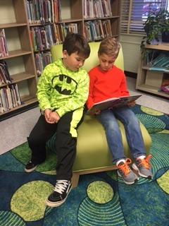 P.A.W. buddies reading